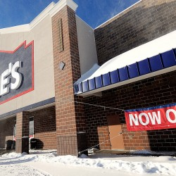 Lowe's to build new store on site of old Wal-Mart