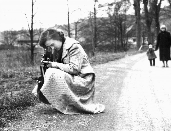 Philomena Baker demonstrates how to frame a photo for U.S. servicemen and their dependents on a field trip in Germany in the 1950s.