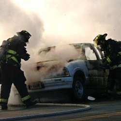 Truck, dry conditions spark fire along I-95, I-395 in Bangor