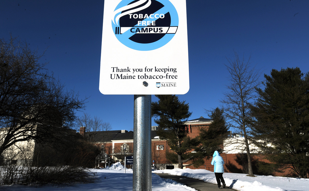 (BANGOR DAILY NEWS PHOTO BY GABOR DEGRE)CAPTIONSigns all over campus remind people that University of Maine in Orono is a tobacco free area. (Bangor Daily News/Gabor Degre)