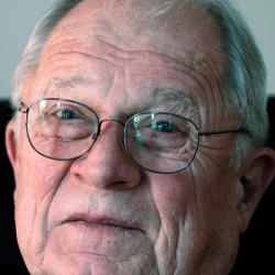 F. Lee Bailey writes document defending Simpson