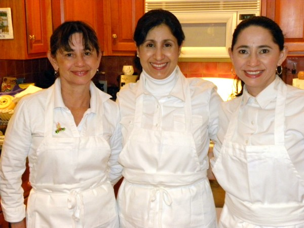 The tres amigas - (Eunice is in the center.  The other two are Olga and Ania, her two friends (sisters) from Costa Rica. (Photo by Ben Zolper)