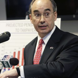 Poliquin, lawmakers spar over solutions to retirement fund problems