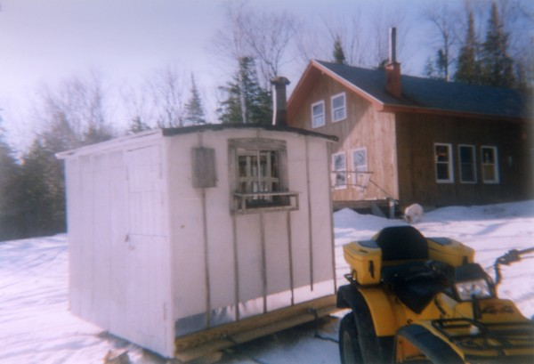 Moving the &quotfish house&quot 2005