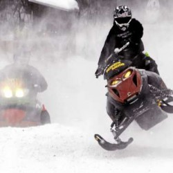 700 attend Lincoln snowmobile races