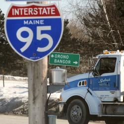 Baldacci meets with Maine truckers