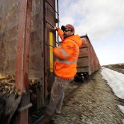 Federal funding for Maine railroad project preserved