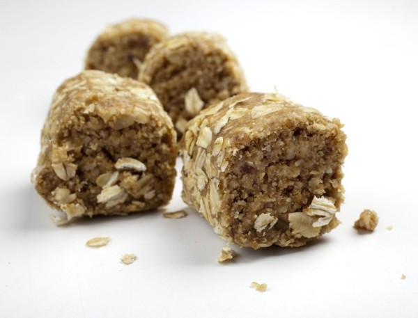 Date-Nut Oatmeal Bars are a no-bake, low-sodium treat.