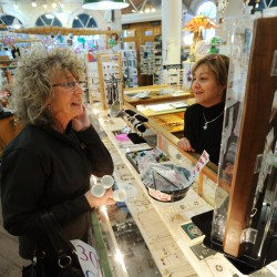 Customers flock to downtown Bangor for Small Business Saturday