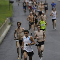 Goode, VanDongen capture Flattop 5K while family, friends remember Bill Pinkham