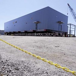 Cianbro loads last of 22 electrical building modules for Canadian nickel mining project