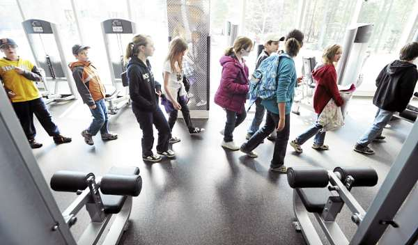 Fifth-grade students from the State Street School in Brewer tour the UMaine recreation center on the Orono campus on Friday, April 8, 2010. More than 200 fifth-graders from around the state went on a walking tour of the campus sponsored by Black Bear Properties and designed to promote a healthy lifestyle.