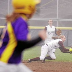 After shaky start, Fryeburg responds with win over Bucks in 'B' softball final