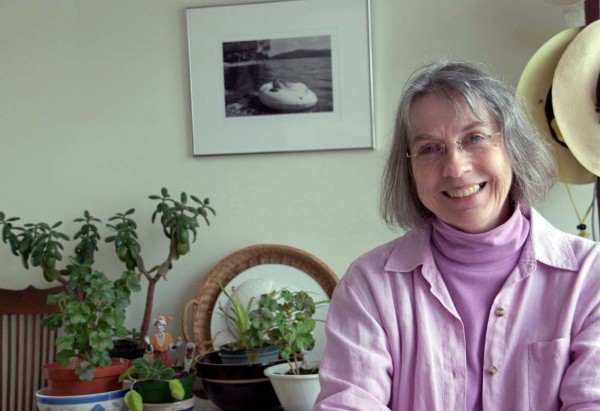 "Novelist Ardeana Hamlin's ""Abbott's Reach"" is a sequel to ""Pink Chimneys."""