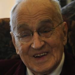 Bangor's 'Piano Mann' nears 100