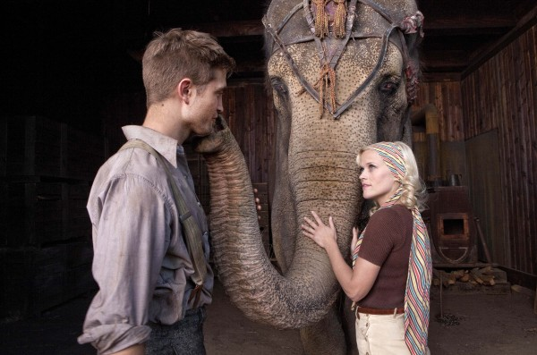 Marlena (Reese Witherspoon) and Jacob (Robert Pattinson) come together through their compassion for a special elephant named Rosie.