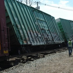 Pan-Am train derails in Old Town