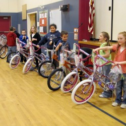 Freemasons reward second-grade readers in Limestone with new bikes, helmets