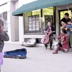 Midcoast couple reviving traditional work songs among younger generations