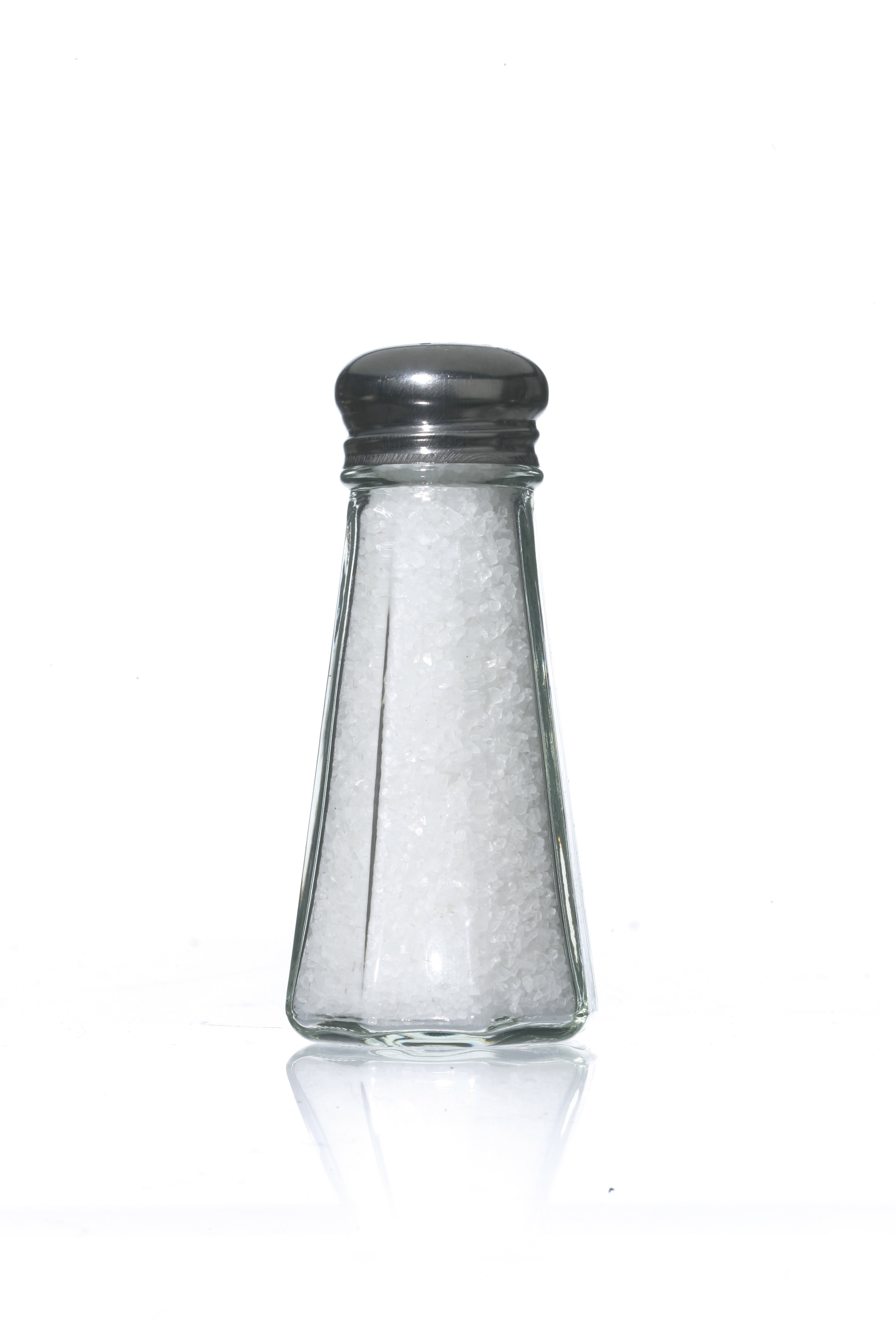 Swearing off table salt in favor of sea salt won'??t have much effect on your overall sodium intake. What really makes a difference is cutting down on processed foods.