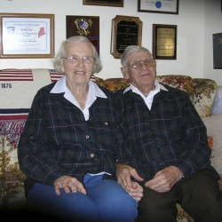 Dexter couple to lead WWII vets in Bangor parade