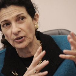 Polls: Snowe losing support among conservatives, but still popular overall