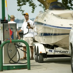 BoatUS offers discount wide-load permit service for boaters
