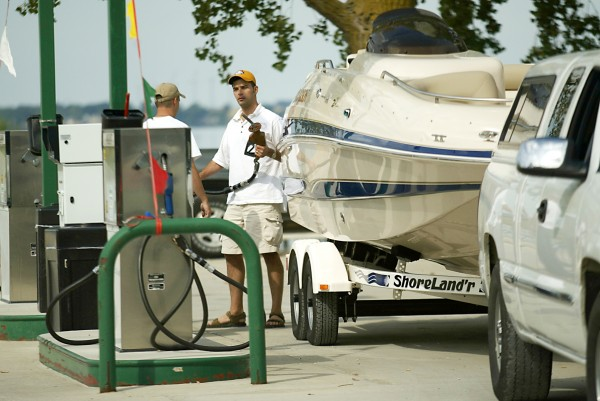 Follow BoatUS' trailering fuel-saving tips and you'll be making fewer visits to the gas station.