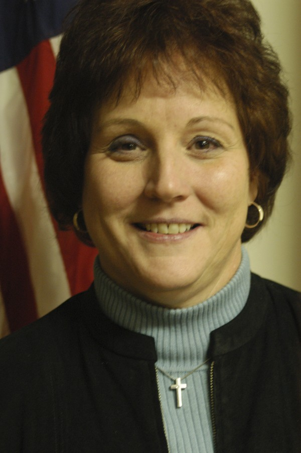 Lincoln Town Manager Lisa Goodwin in Nov. 2008.