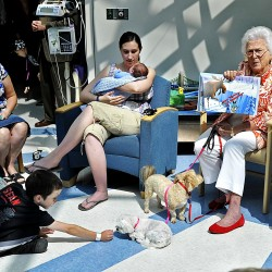 Barbara Bush reads to kids at Portland children's hospital
