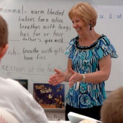 'Magical' Holden teacher to retire