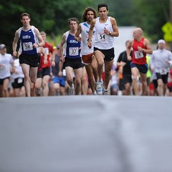 Luchini shatters course record to win Bangor Labor Day 5-miler