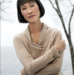 Tess Gerritsen offers a novel twist in Alzheimer's fight