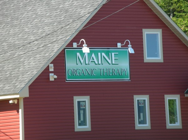 Maine Organic Therapy has received the necessary city licenses to begin operations at its medical marijuana dispensary in Ellsworth.