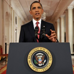 Confrontational Obama rebukes GOP on debt talks