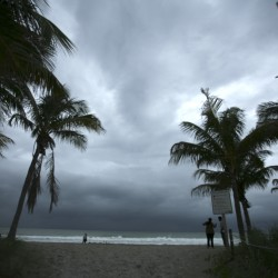Hurricane Arthur pounds North Carolina coast, heads out to sea
