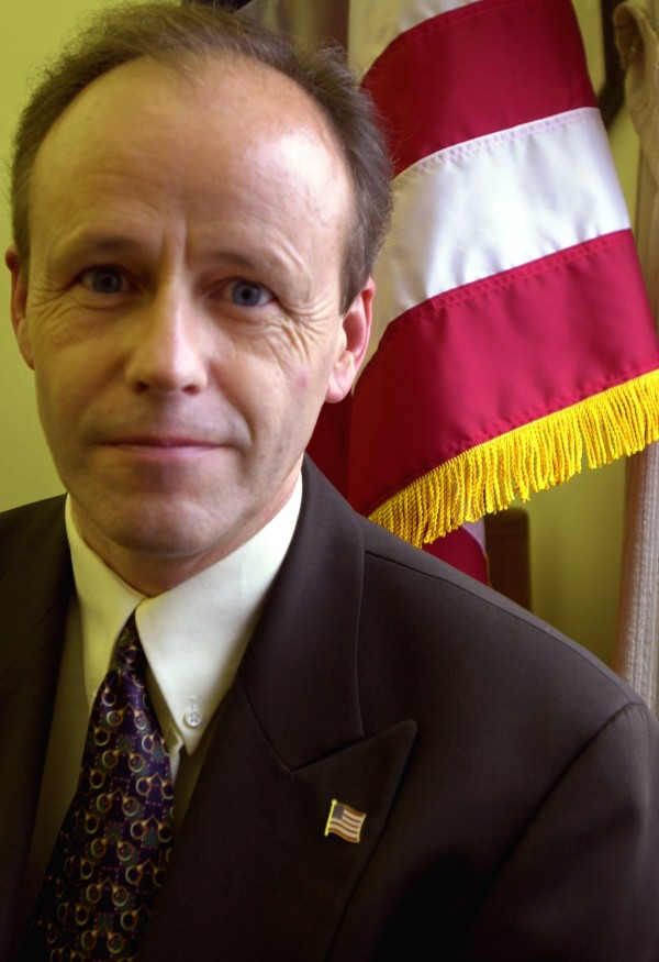Former Secretary of State Dan Gwadosky in 2001.