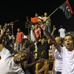 Gadhafi regime nears collapse as jubilation sweeps Tripoli