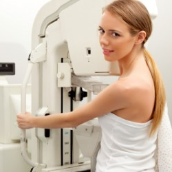 Doctor tells FDA to change rules, says mammogram won't spot cancer in some