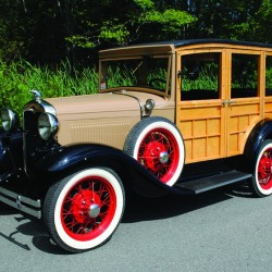 Vintage car collection to be auctioned in Maine