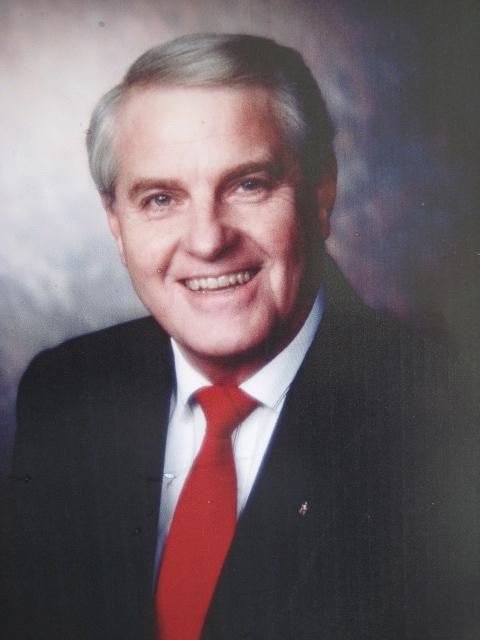 Dr. Wellington Estey