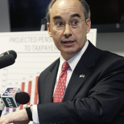 Democrats allege Treasurer Poliquin's beach club dealings are unconstitutional
