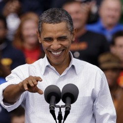 Poll gives Obama best marks since 2009, shows support for GOP still slipping