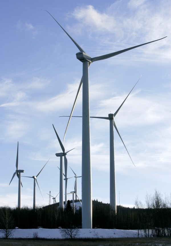 A cluster of windmills operate on the north side of Mars Hill Mountain in Mars Hill in January 2007. In a split decision, the Maine Board of Environmental Protection voted Thursday to impose more stringent noise regulations on commercial wind turbines operating near homes or businesses.