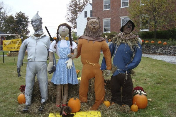 "Searsport's annual ""Fling Into Fall"" celebration will include live music, hayrides, field games, face painting, scarecrow and jack-o'-lantern competitions, and much more. The event will take place Friday and Saturday, Oct. 7-8."