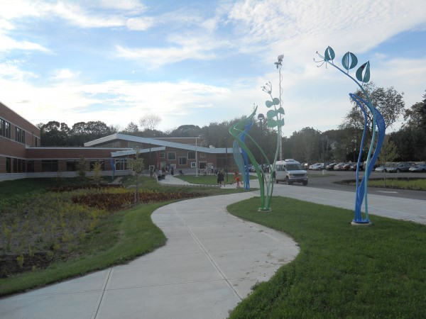 Ocean Avenue Elementary School was the site of a grand opening ceremony Thursday, attracting nearly 200 parents, students and faculty.