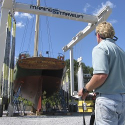 Schooner Adventuress is relaunched to big crowd in Rockport