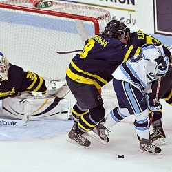 Warriors bury offensively-challenged Black Bears deeper into Hockey East cellar