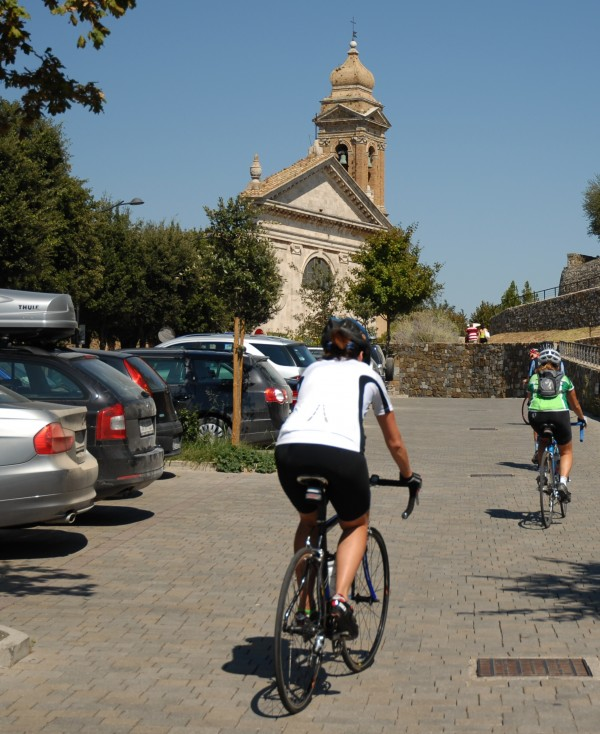 In Tuscany cyclists and cars occupy the share the same roads with little difficulty.