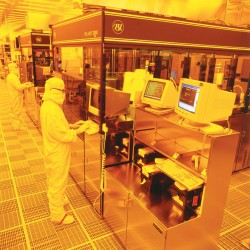 Profits plunge at Fairchild Semiconductor